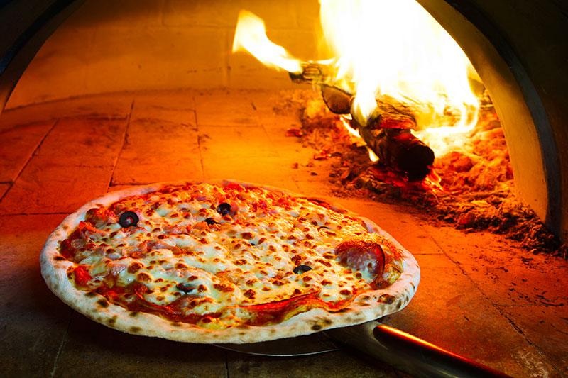 Soirée pizza ferme du pré charmant